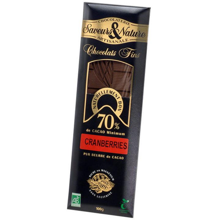 Био шоколад черен с червени боровинки 100г